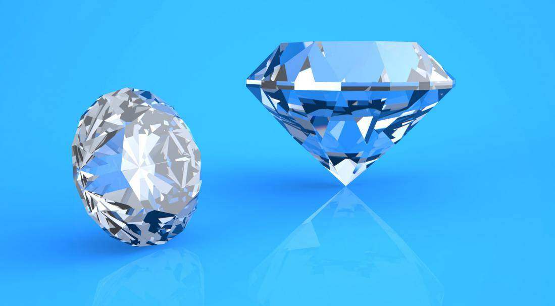 Diamonds 101: What to Look For When Shopping for Engagement Rings