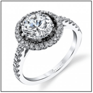 Top 10 Engagement Rings for a Holiday Proposal