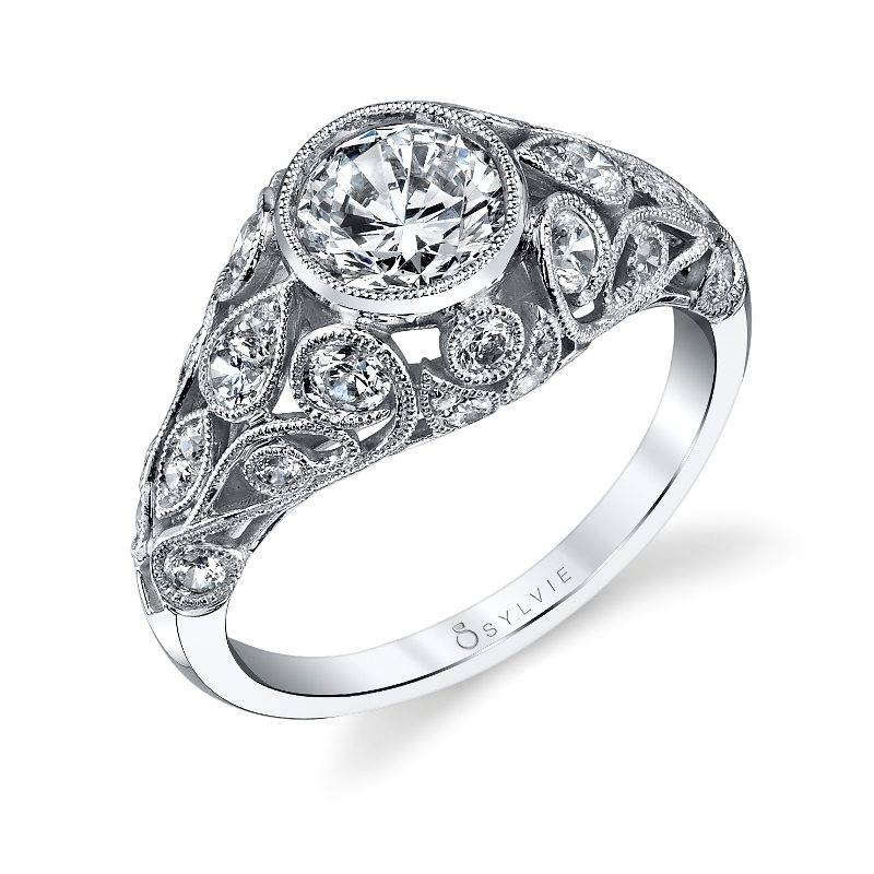 Roial - Vintage Inspired Engagement Ring