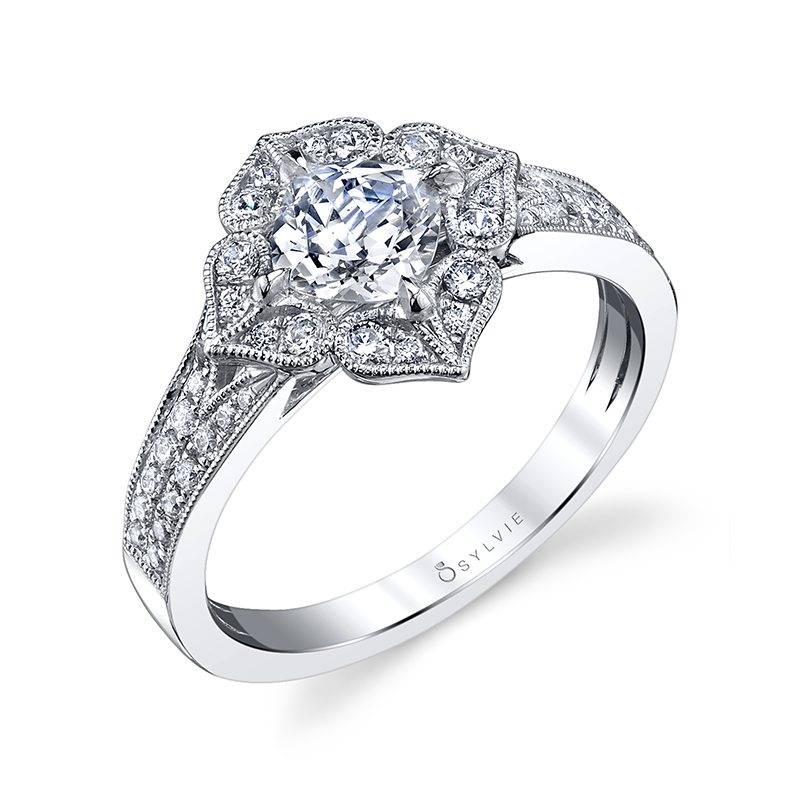 Clarette - Oval Engagement Ring with Halo