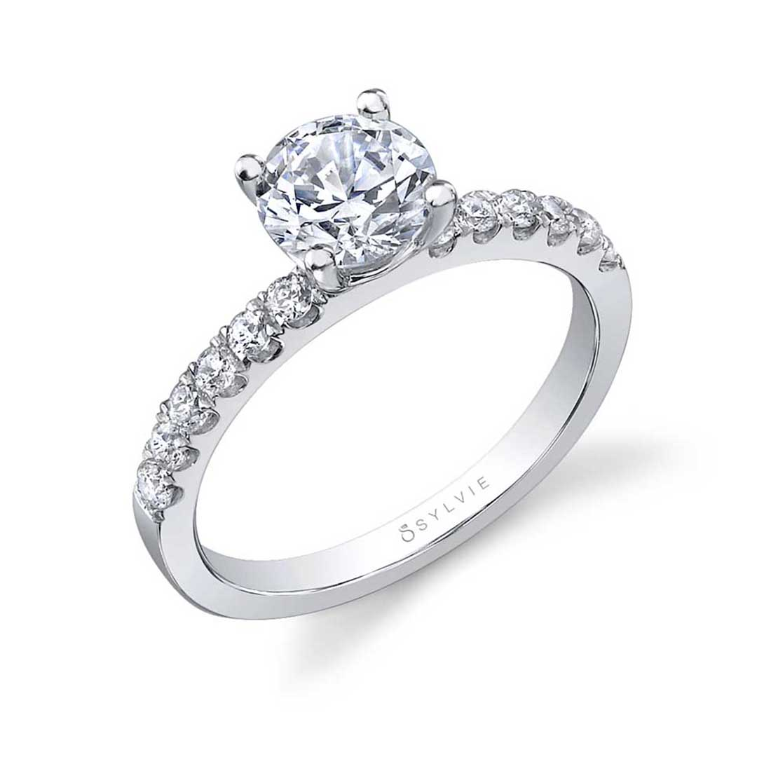 Round Classic Engagement Ring