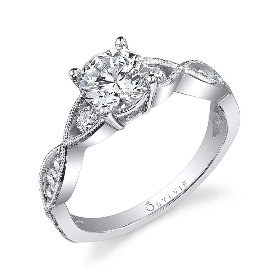 Lela - Round Solitaire Engagement Ring