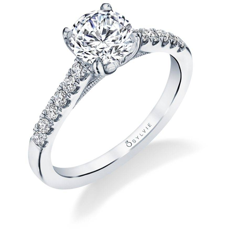 Ameline - Classic Solitaire Engagement Ring