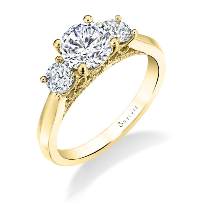 3 Stone Engagement Ring in Yellow Gold - Carmen