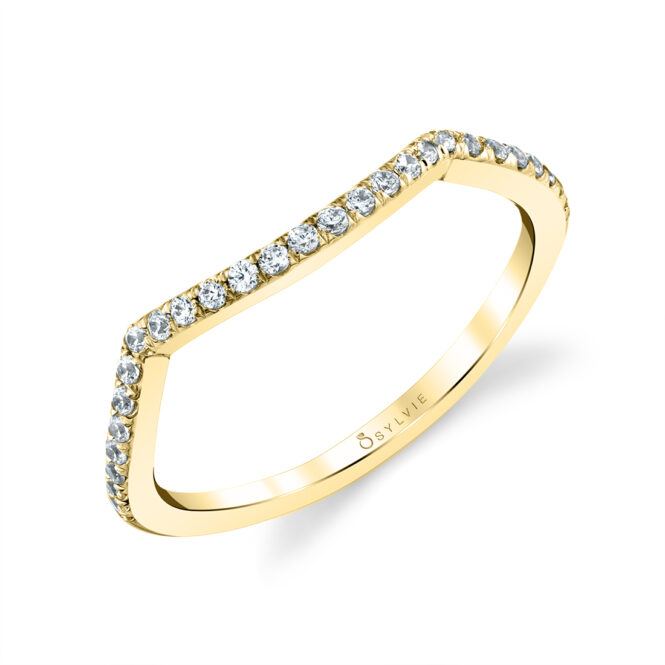 contoured wedding band in yellow gold