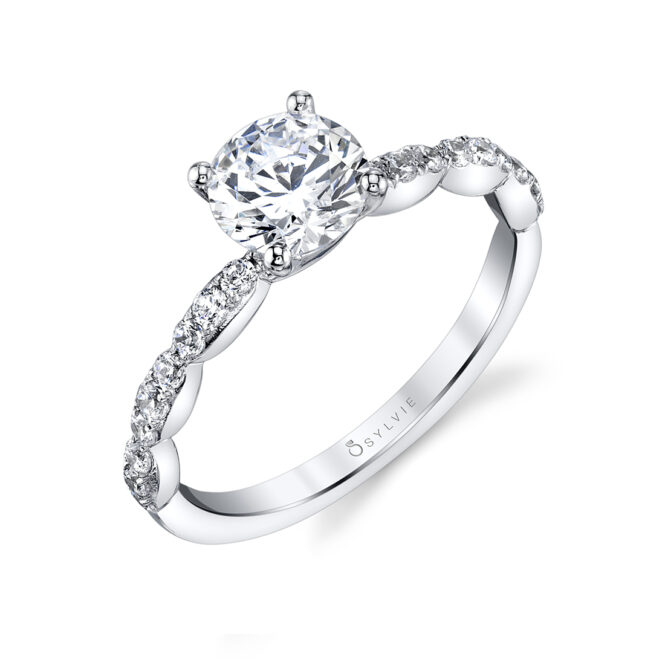 Simple Classic Engagement Ring in White Gold - Chiara