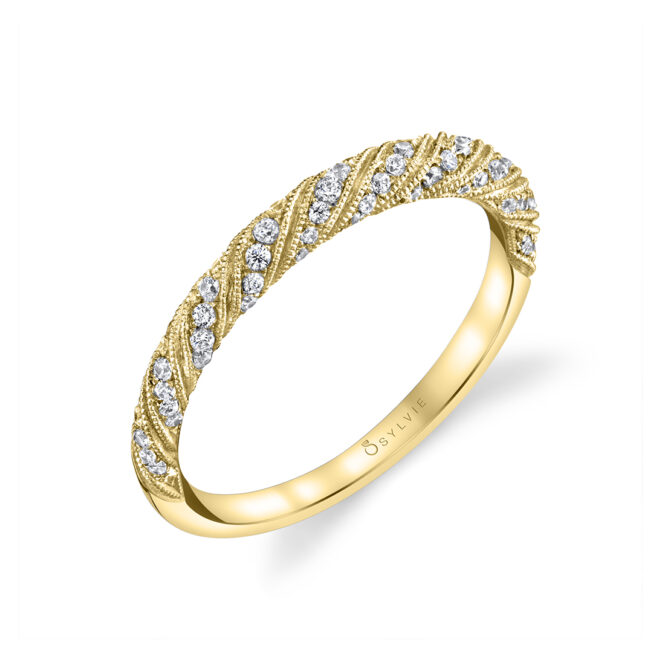 Unique Engagement Ring in Yellow Gold