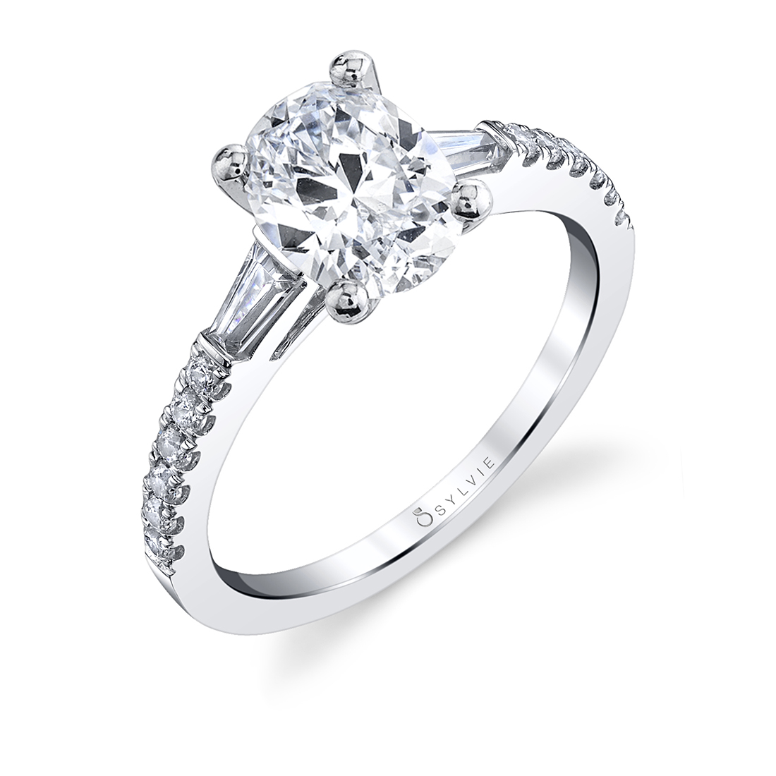 Oval engagement ring with baguettes in white gold
