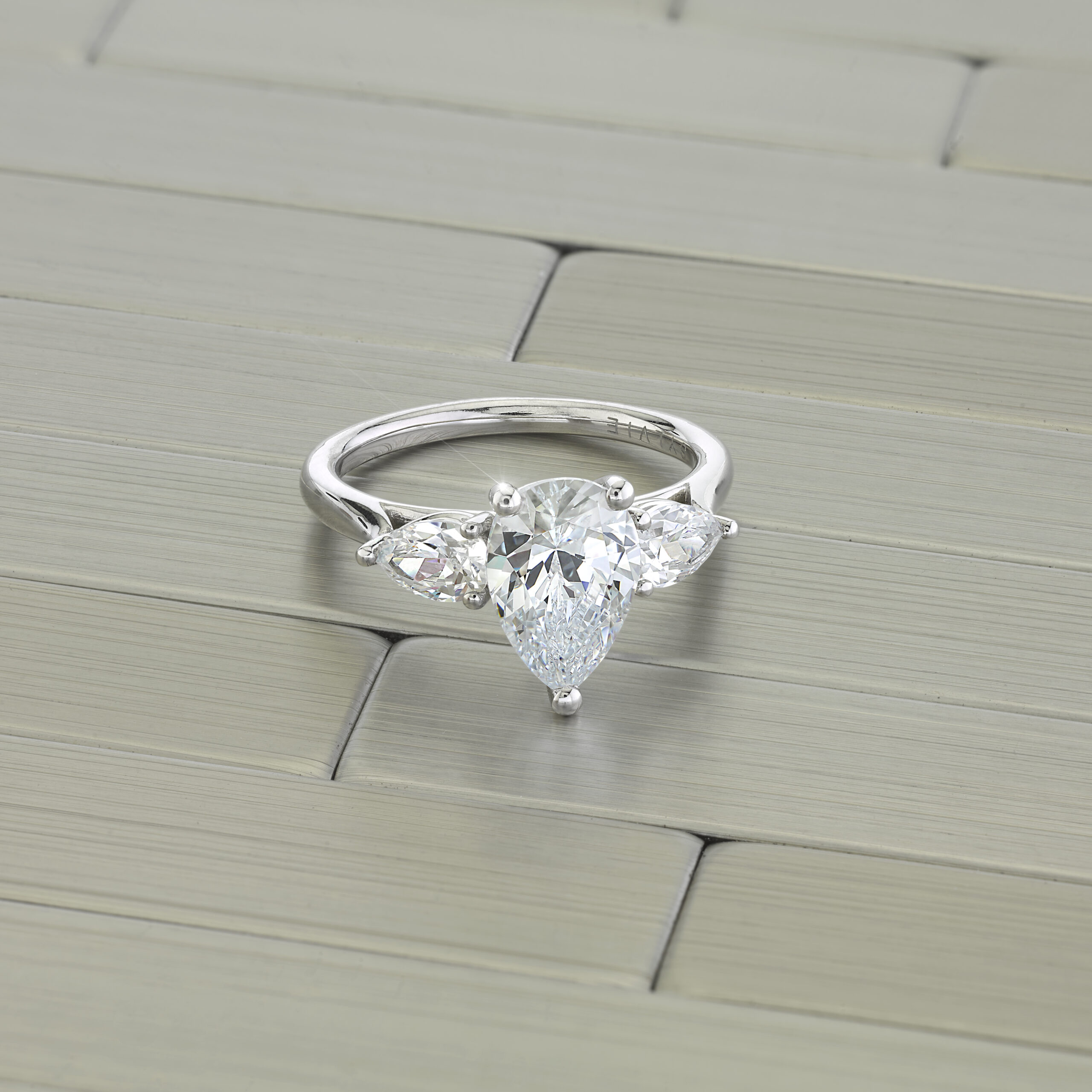 pear shaped engagement ring trend